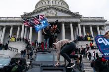 Cinq personnes sont mortes au cours des incidents qui ont eu lieu au Capitole mercredi 6 janvier.