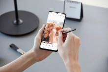 Le Galaxy S21 Ultra est compatible avec le stylet S Pen vendu en option de la gamme Galaxy Note