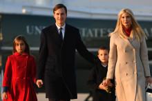 Le couple Jared Kushner-Ivanka Trump et leurs deux enfants, le 23 décembre 2020