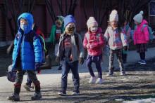 Dans certains départements où le masque n'est plus obligatoire à l'école, le taux d'incidence a explosé chez les plus jeunes (image d'illustration)