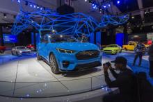 La Ford Mustang Mach-E électrique présentée à AutoMobility LA, salon de l'auto de Los Angeles