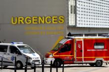 Une ambulance des secours et un camion de pompiers (illustration).
