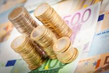 Selon la banque de France, ce sont 165 milliards d'euros qui n'ont pas été dépensés par les Français en 2020, en raison de la crise sanitaire.