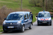 Les gendarmes à Issancourt-et-Rumel dans les Ardennes, à la recherche du corps d'Estelle Mouzin, le 6 avril 2021