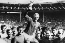 L'équipe de football anglaise, vainqueur de la Coupe du monde, le 30 juillet 1966 à Wembley