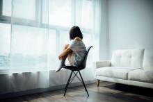 Une femme en isolement (illustration)