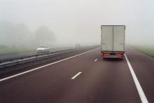 Photo d'illustration prise le 19 novembre 2002 depuis la cabine d'un camion, sur l'autoroute A6 entre Avignon et Paris.