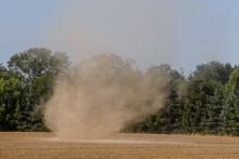 Un tourbillon de poussière. Photo d'illustration.