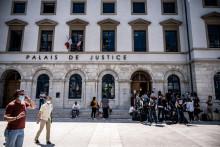 Le palais de justice de Valence le 10 juin 2021 alors que l'homme qui a giflé Macron est jugé en comparution immédiate, puis condamné à 18 mois de prison dont 4 mois ferme.
