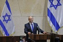 Le chef du parti de droite Yamina Naftali Bennett succède à Benyamin Nétanyahou au poste de Premier ministre le 13 juin 2021.