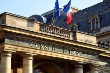 Une photo prise le 18 octobre 2018 place du Palais Royal à Paris montre une vue de l'entrée du Conseil d'Etat Français. (Illustration)