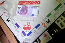 Un plateau du jeu Monopoly.