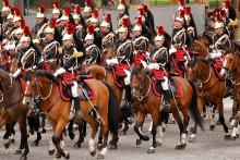 Le régiment de cavalerie de la garde républicaine qui défile le 14 juillet 2021.