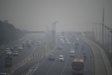 Une autoroute à New Dehli, en Inde