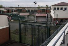 Le centre de rétention administrative de Mesnil-Amelot en Seine-et-Marne