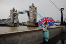 Le Tower Bridge bloqué en position ouverte en raison d'un problème technique, le 9 août 2021.