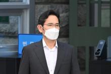 Lee Jae-yong le 13 août 2021 à sa sortie de prison à Séoul.