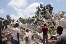 Les fouilles se poursuivent à Haïti au lendemain d'un séisme de magnitude 7,2