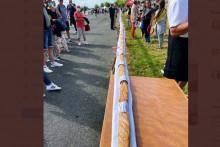 Le record du plus long sandwich rillettes a été battu à Laval (Mayenne).