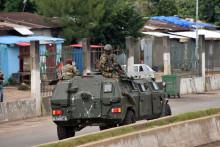 Les forces spéciales guinéennes détiennent le président Alpha Condé