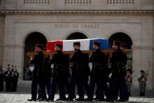 Des gardes républicains dans la cour des Invalides, à Paris, le 9 septembre 2021.
