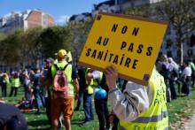 Un opposant au passe sanitaire, à Paris le 11 septembre 2021