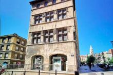Le plus ancien immeuble de Marseille en vente sur Leboncoin