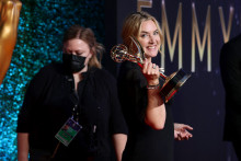 """Kate Winslet rayonnante après sa victoire pour """"Mare of Eastown"""""""