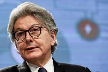 Le commissaire européen chargé au marché intérieur, Thierry Breton, s'exprime lors d'une conférence de presse au siège de l'UE à Bruxelles, le 23 septembre 2021.