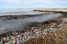 Les intempéries dans le Sud-Est ont fait ressortir de nombreux déchets sur les plages