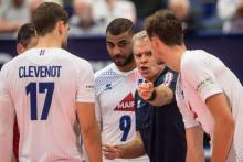 Le Brésilien Bernardo Rezende (au centre) avec Earvin Ngapeth, Trévor Clévenot et les volleyeurs français à Ostrava le 13 septembre 2021