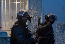 Des policiers lors d'une arrestation (illustration)