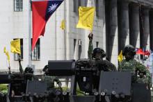 Des soldats taïwanais lors du défilé de la fête nationale à Taipei le 10 octobre 2021.