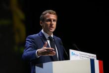 """Emmanuel Macron a dénoncé ce samedi des """"crimes inexcusables pour la République"""", 60 ans après le massacre des Algériens commis le 17 octobre 1961."""