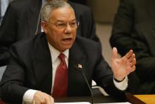 Le secrétaire d'État américain Colin Powell s'adressant au Conseil de sécurité des Nations Unies le 05 février 2003 à l'ONU à New York.