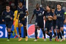 Verratti, Kimpembe, Danilo, Messi, Hakimi et Marquinhos avec le PSG le 19 octobre 2021 au Parc des Princes
