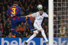 Karim Benzema et Gerard Piqué le 18 décembre 2019 à Barcelone