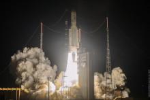 L'Agence spatiale européenne (ESA) montre le décollage du vol VA253 d'Ariane 5 depuis le port spatial européen à Kourou, en Guyane, le 15 août 2020.