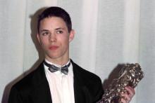 L'acteur Gérald Thomassin avec son César du meilleur espoir en 1991. Il a 16 ans.