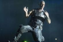 Till Lindermann, leader de Rammstein, lors d'un concert à Viveiro en 2017