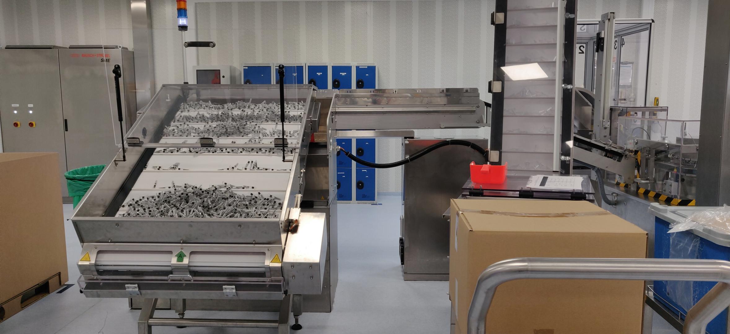 Jusque un million de seringues par jour sont produites au site Sanofi-Pasteur