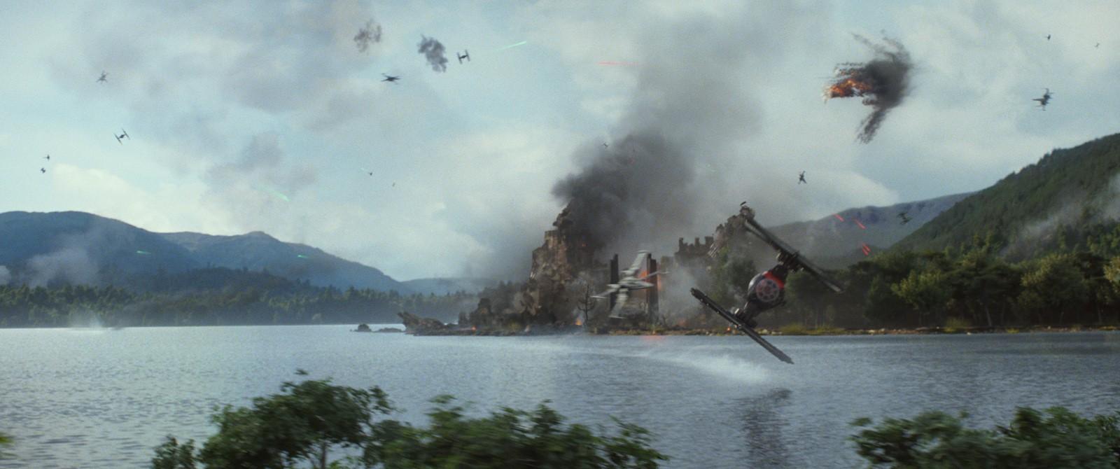 C'est sur cette planète, Takodana, que se déroule un combat entre le Premier Ordre et la Résistance