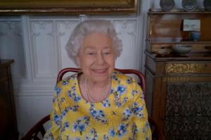 """Elizabeth II, le 25 juillet 2020, lors de sa première """"cérémonie virtuelle"""""""