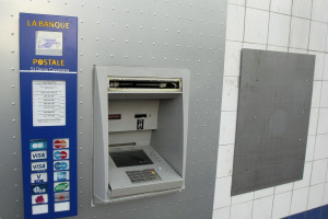 Un distributeur de billets de la banque (illustration)