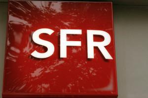 SFR cherche à fidéliser ses clients en pleine guerre des prix des opérateurs