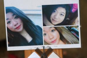 Des photos de Sophie Le Tan avaient été placées en hommage à l'entrée de l'immeuble du suspect