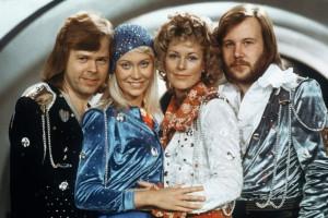De (gauche à droite), Bjorn Ulvaeus, Agnetha Faltskog, Anni -Frid Lyngstad et Benny Andersson du groupe ABBA le 9 février 1974. (archives)