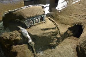 Le parc archéologique de Pompéi a annoncé, samedi 26 février, la découverte d'un grand char de cérémonie romain près de son site, situé dans le sud de l'Italie.
