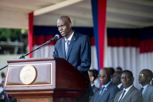 Jovenel Moise, le président haïtien, lors d'un défilé militaire pour commémorer la bataille de Vertières, au palais présidentiel de Port-au-Prince le 18 novembre 2019.
