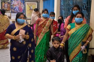 Des Indiens masqués, pendant la crise sanitaire (illustration)